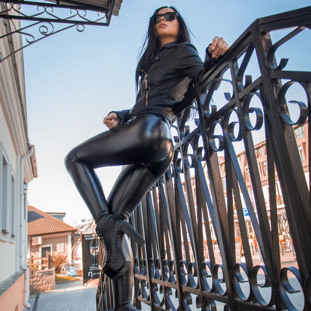 Luxury faux leather leggings